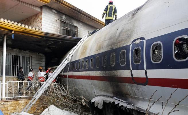 Боинг 707 се разби край Техеран