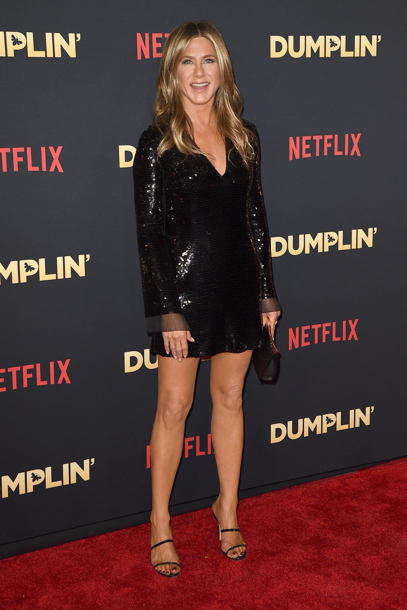 Една холивудска звезда, на която годините не ѝ личат. С две сериозни връзки зад гърба си и много роли, през 2019 г. Дженифър Анистън ще посрещне 50-ия си рожден ден.
