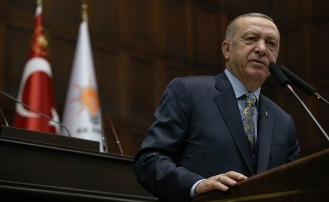 Ердоган огорчен, разговарял с Тръмп