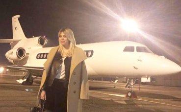 Агентът и съпруга на Икарди със загадъчно послание в социалната мрежа