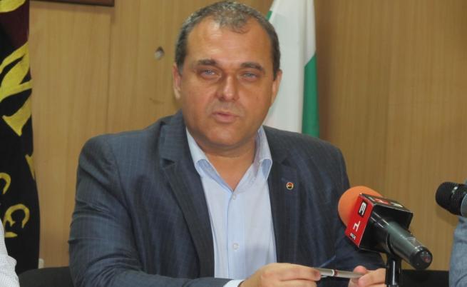 ВМРО се явява самостоятелно, Джамбазки първи