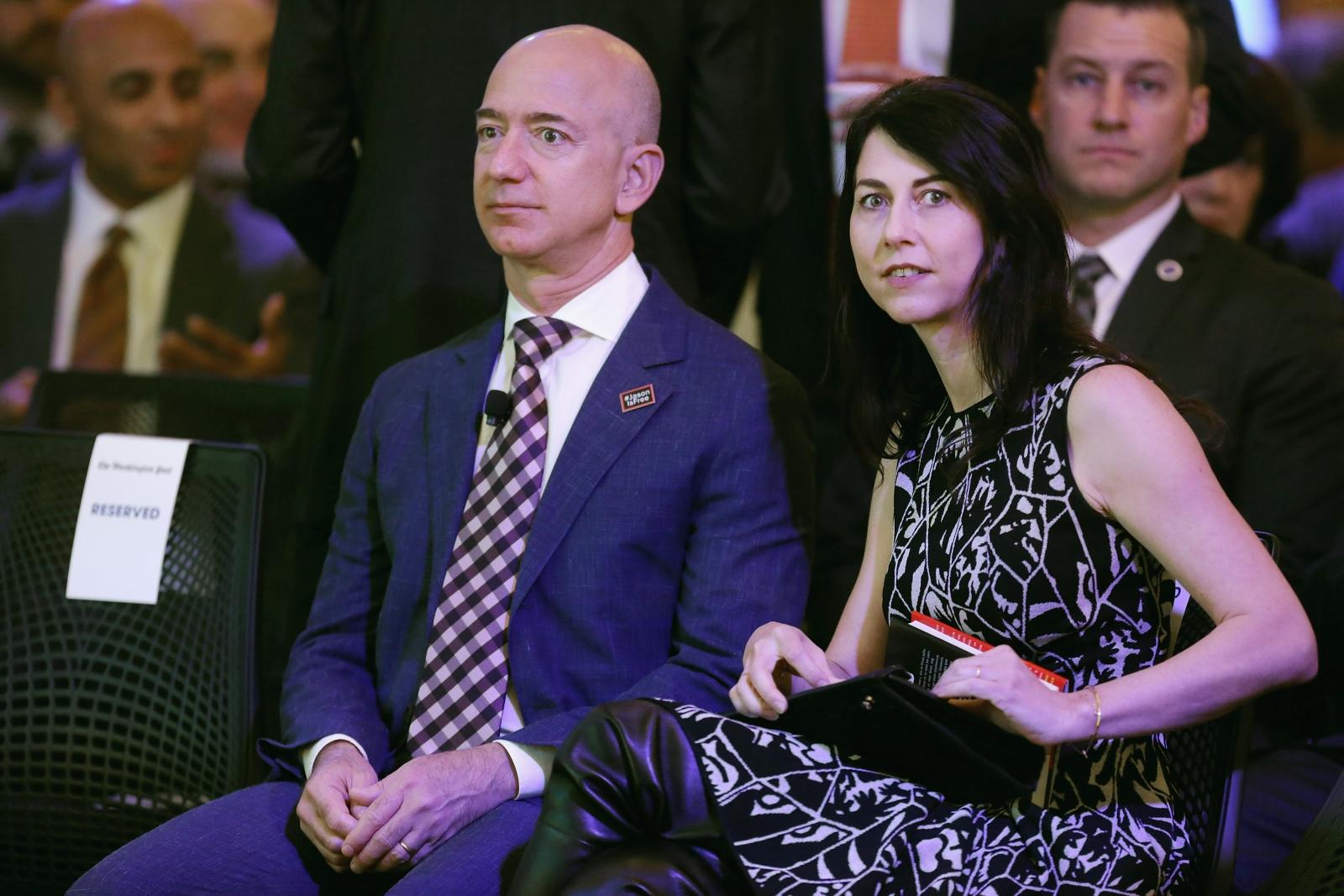Маккензи Безос може да стане един от най-богатите хора в света.