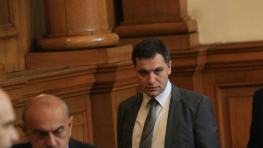 Александър Сиди ще съди Веселин Марешки за клевета