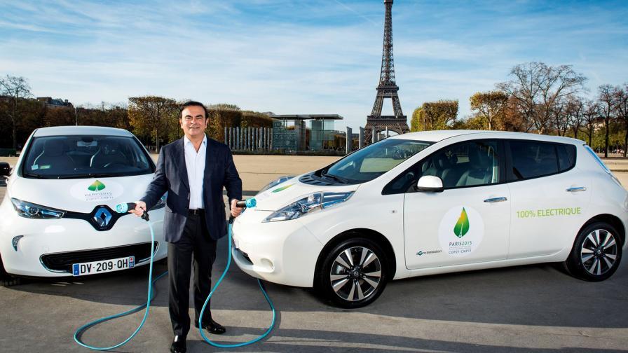 "<p>Франция иска <span style=""color:#FF8C00;"">сливане между Renault и Nissan</span></p>"