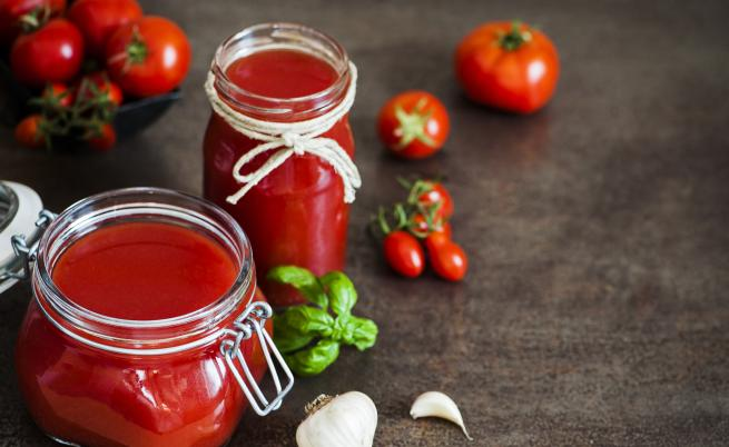 3 бързи рецепти с домати от бурканите на баба