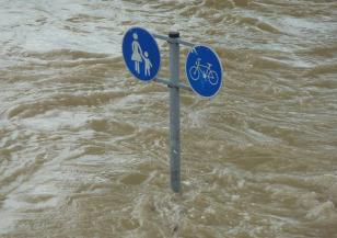 Наводненията в Испания взеха шест жертви