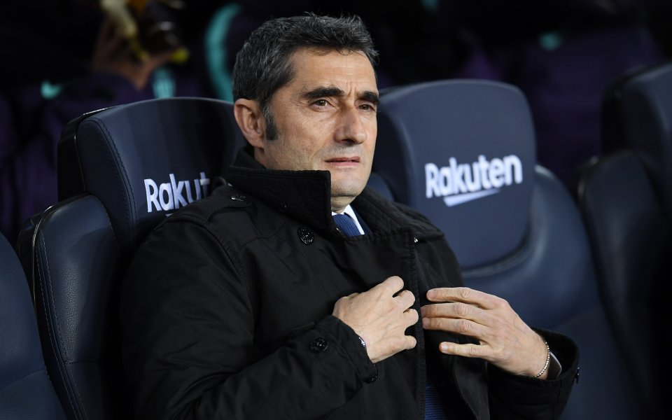 Ръководството наБарселонасе старае публично да не притиска треньора- Ернесто Валвердеи