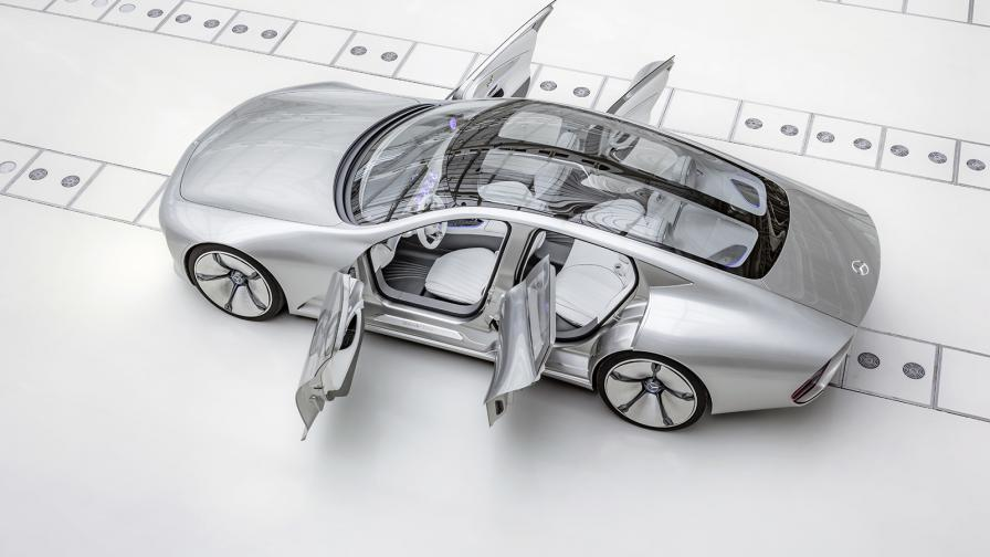 Mercedes-Benz IAA Concept 2015 e истински транформър, който променя формата си при определена скорост. Новият ESF модел ще заложи на безопасността.