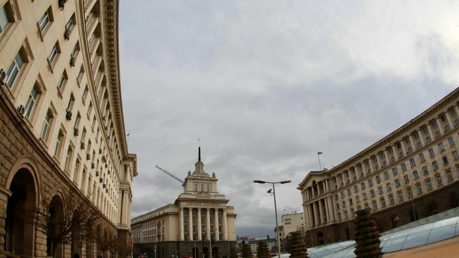 <p>Дончев нареди проверка на проекта за <strong>Ларгото&nbsp; &nbsp;&nbsp;</strong></p>