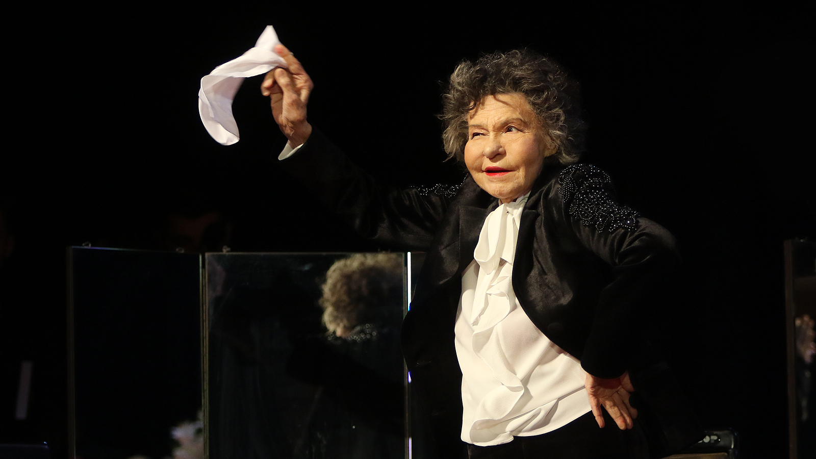 Стоянка Мутафова отпразнува 97-ия си рожден ден и 70 години на сцена, със специален спектакъл в зала 1 в НДК