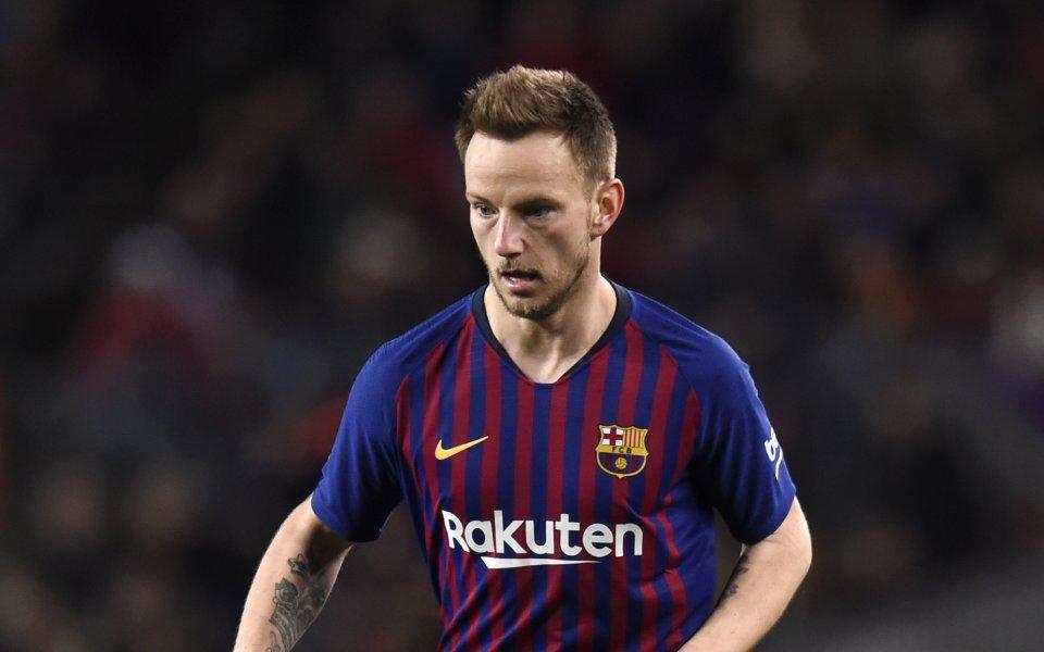 Полузащитникът на Барселона Иван Ракитич няма да напуска тима през