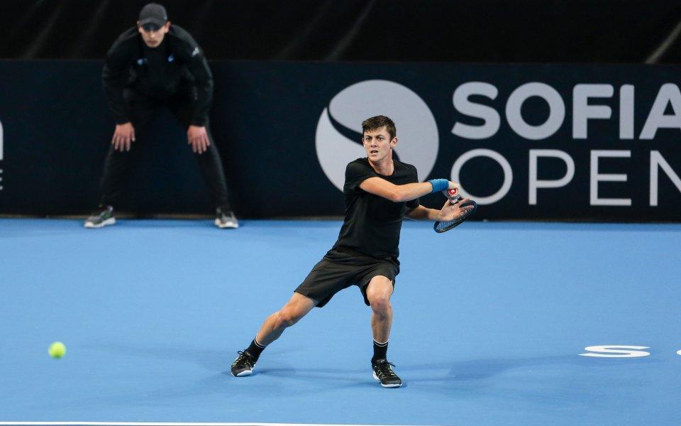 Шампионът на България по тенис Александър Лазаров загуби финала на