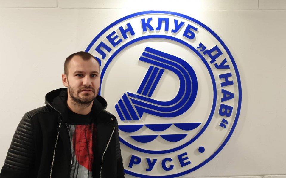Дунав финализира привличането на Благой Макенджиев