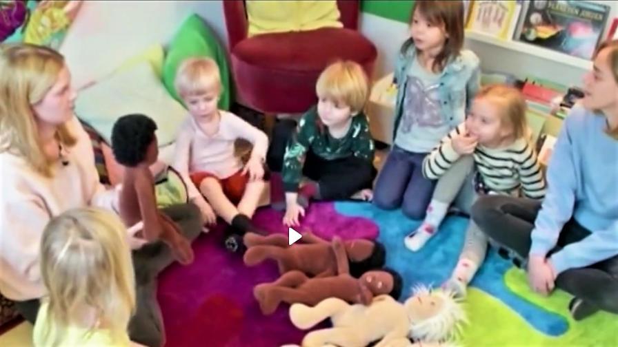<p>В тази детска градина децата сами определят пола си</p>
