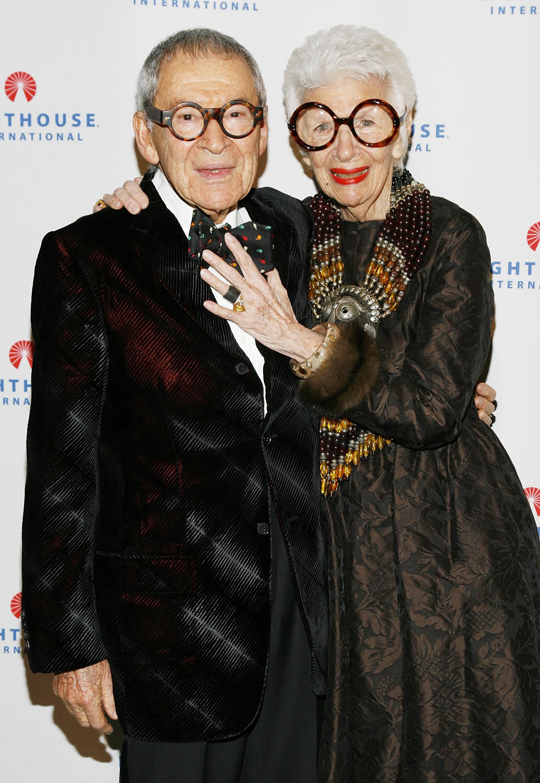Айрис Апфел и вече покойния ѝ съпруг Карл (2008)