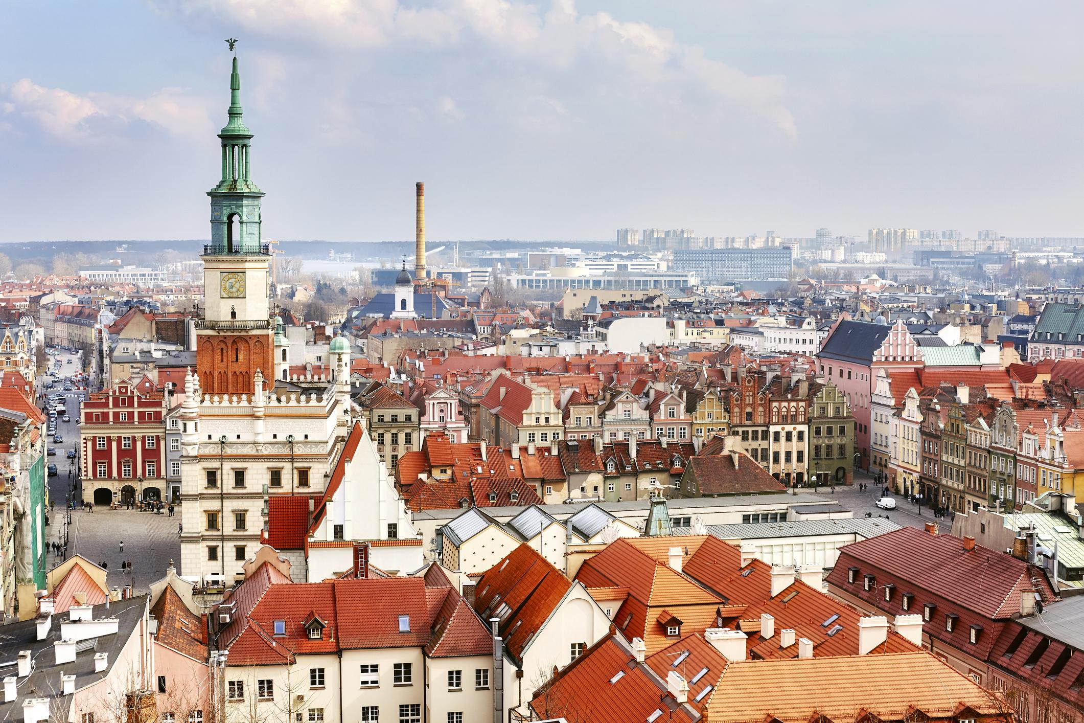 Петият по големина град в Полша - Познан се нарежда на пето място в класацията на European Best Destinations. Познан е известен с това, че през Втората световна война бива разрушен и после построен наново.