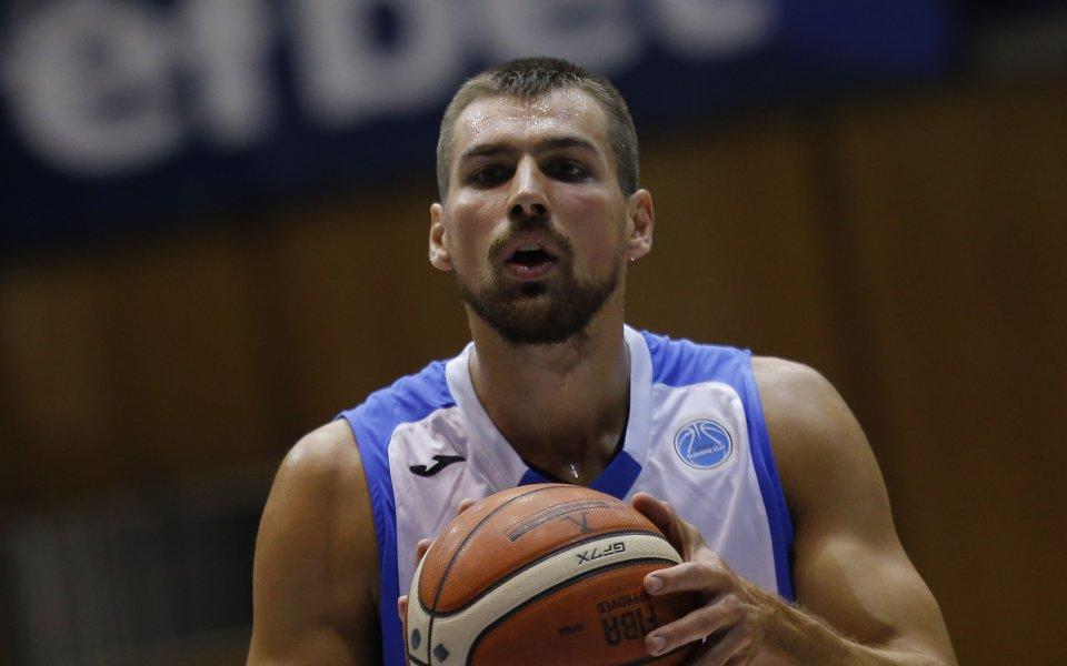 Христо Захариев начело в класация на ФИБА Европа