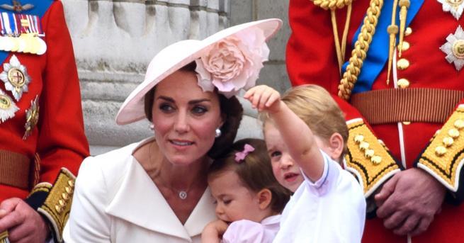 Снимка: Думата, която бавачката на принц Джордж, принцеса Шарлот и принц Луи никога не бива да изрича