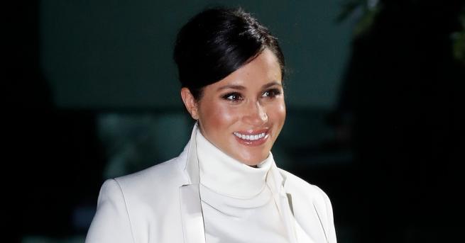 Снимка: И Меган Маркъл обича да облича дрехите си повече от веднъж: херцогинята със зимен тоалет-мечта и нови планове