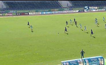 Остър кинжален удар на Младенов и 2:0 за Етър срещу Дунав