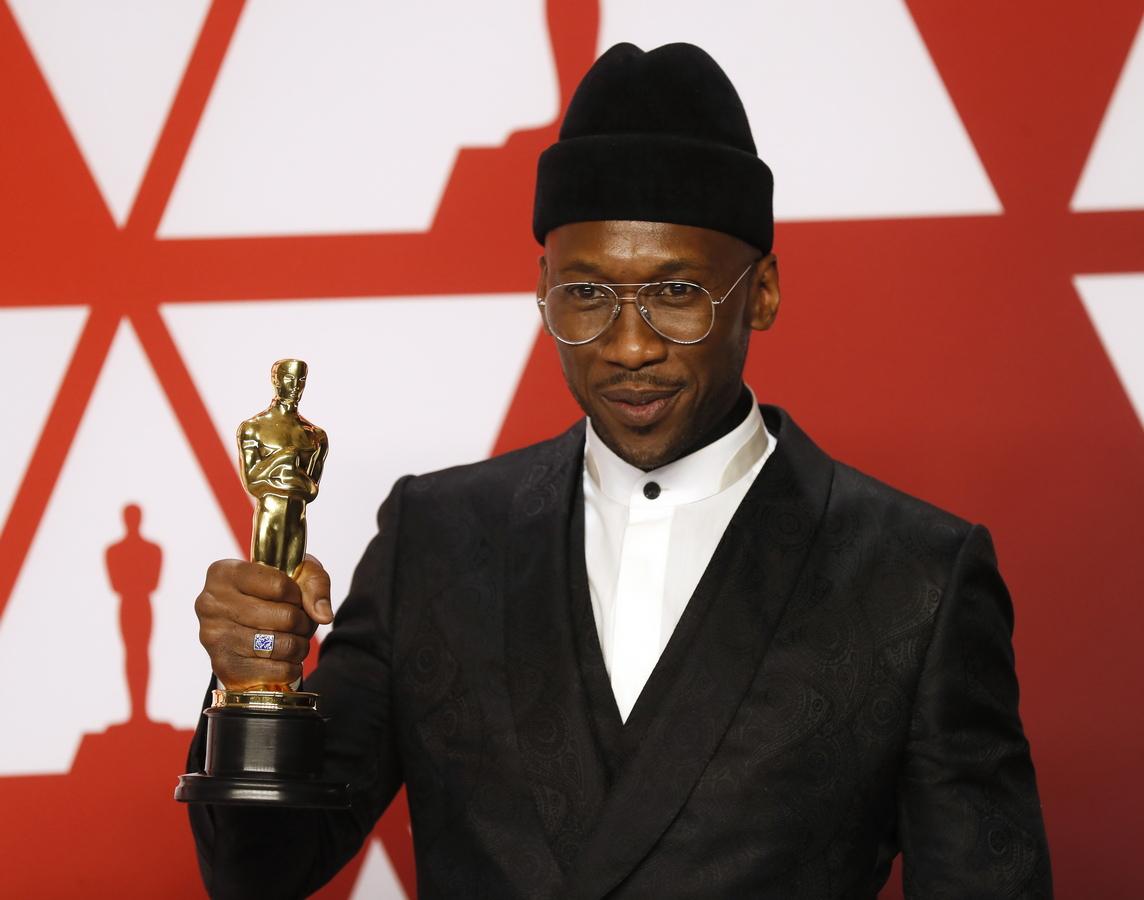 """Махершала Али спечели """"Оскар"""" за най-добра поддържаща мъжка роля за филма """"Зелената книга"""""""