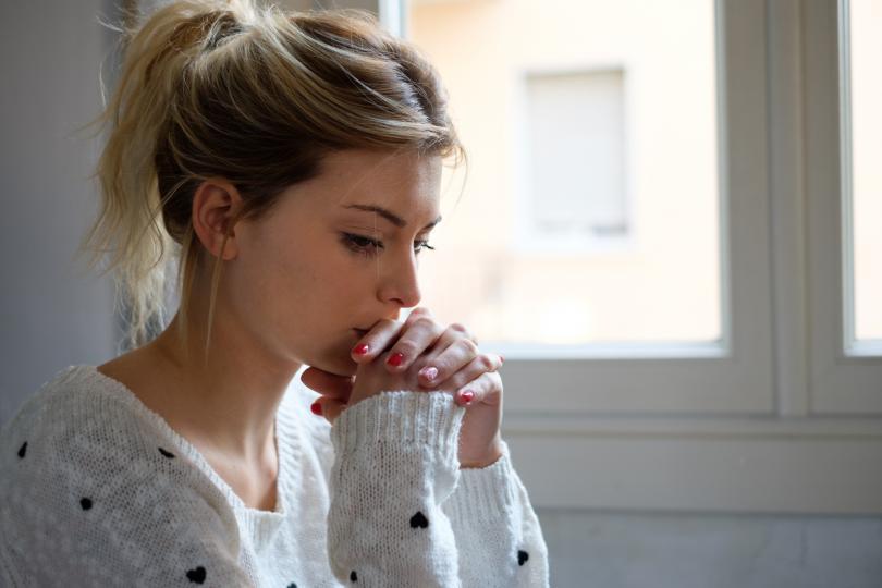 <p><strong>Рак </strong>- безкрайно чувствителен знак, който включително и в такъв момент изживява емоциите десеторно по-силно. Ако знаете, че ваш приятел или близък Рак се бори с болката от загубата на свой роднина, не го оставяйте сам и за миг. След време той ще ви бъде безкрайно благодарен.</p>