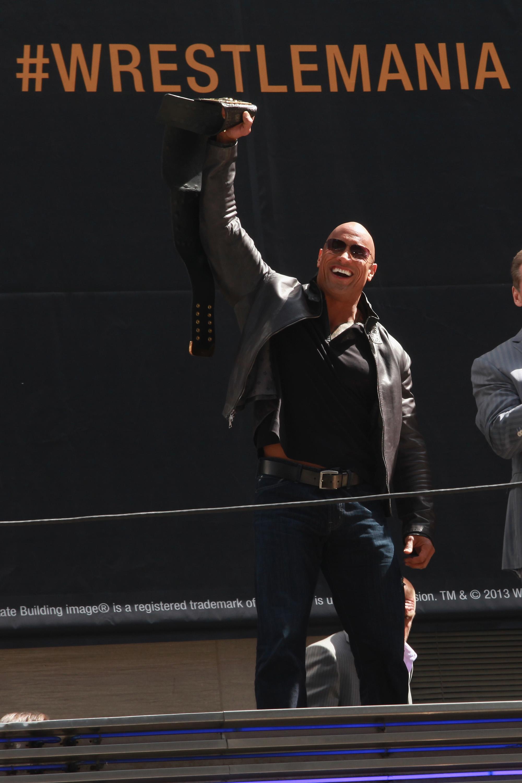 След това състезание бойните изкуства поемат по съвсем нов път. ММА бойците започват да влагат усилия не само в тренировки, но и в създаването на имидж. Спортът не само започва да заимства от стила на Световната федерация по кеч WWE, но взима и част от аудиторията ѝ.