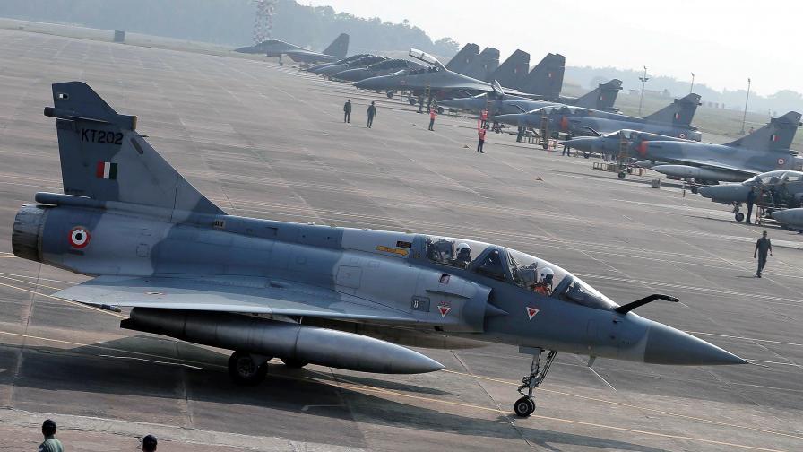 <p>Война, Пакистан: Свалихме 2 индийски самолета</p>