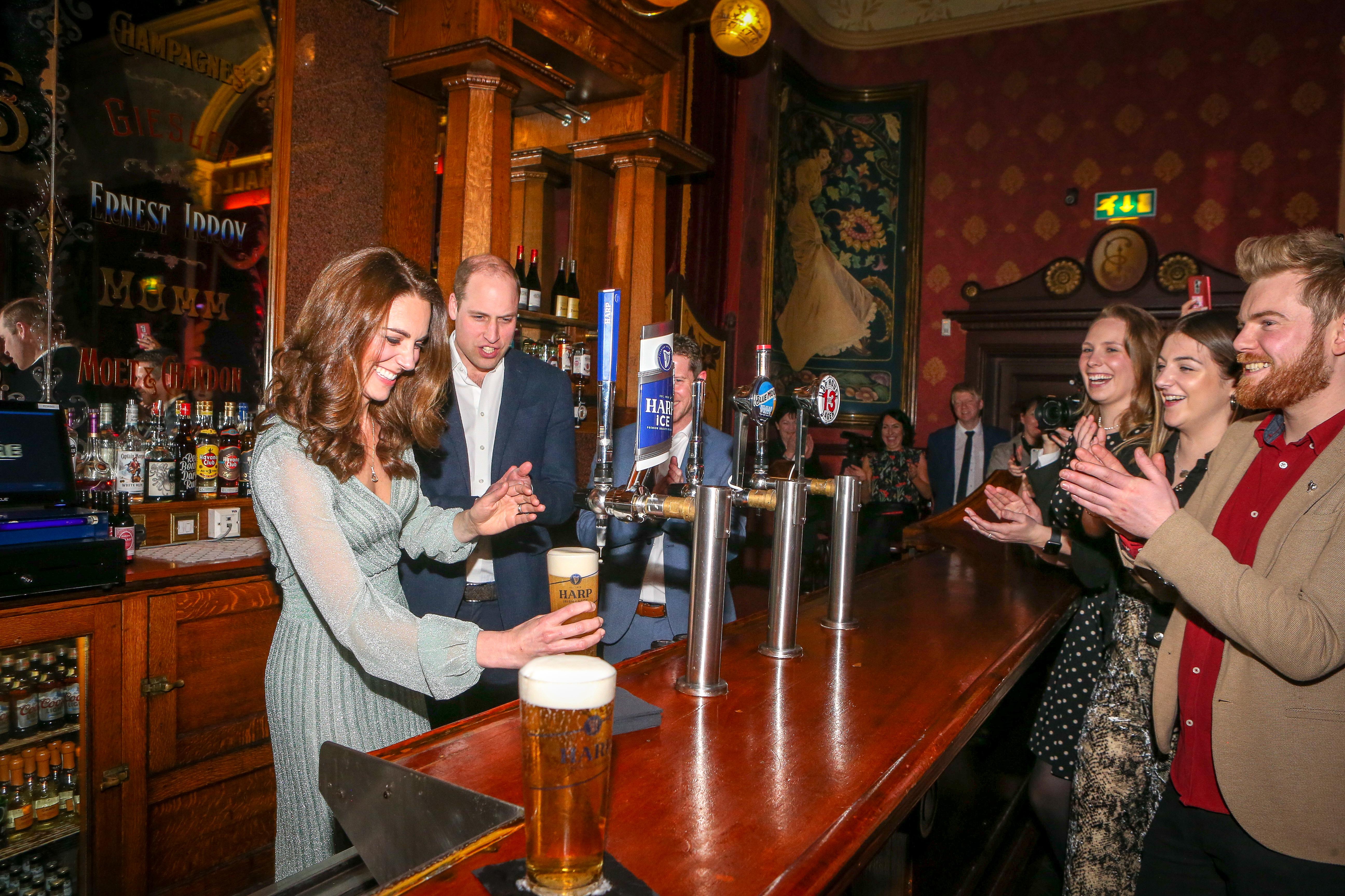 Двамата са на посещение в Северна Ирландия, което е фокусирано върху образованието и перспективите за развитие на децата и младите хора в тази част на Великобритания.