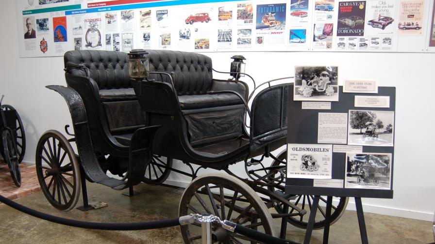 Oldsmobile 010 N от 1897 г. Една от най-старите електрически коли