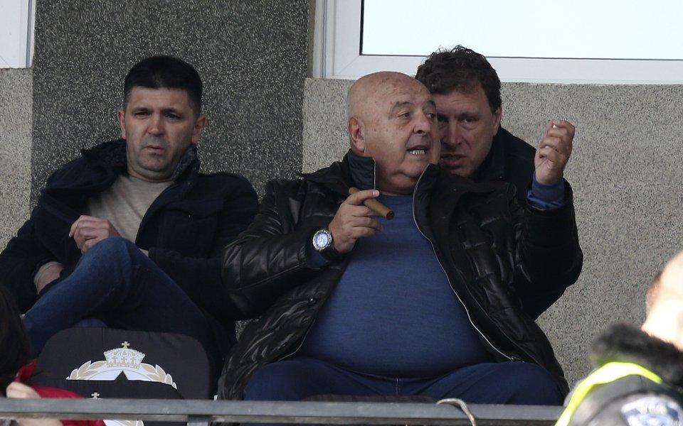 Президентът на Славия - Венци Стефанов, коментира пред GONG.BG публикувания