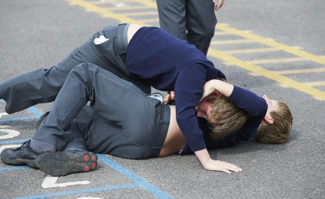 Дете пострада тежко след жесток побой в училище
