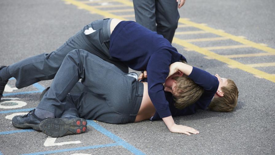<p>Дете пострада тежко след жесток побой в училище</p>