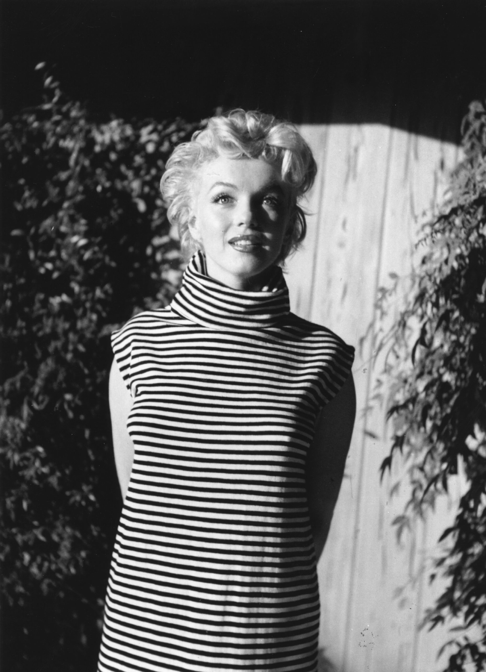 Мерилин Монро е безспорно легенда в много отношения. Тя е модел за подражание на не малко млади жени. Известна не само с филмите си, но и с изключителната си красота, финес и женственост, които са пленявали мъжете.