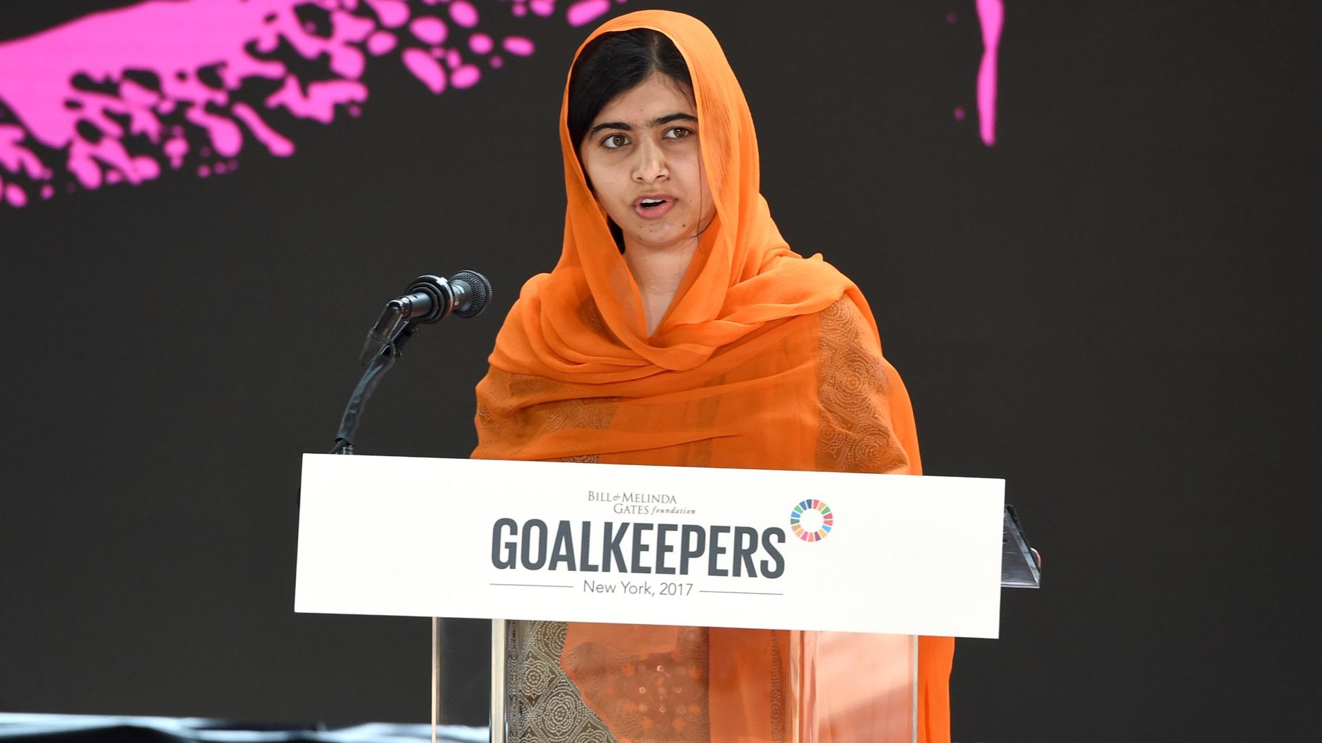 """Малала Юсафзаи: """"Екстремистите показаха какво ги ужасява най-много: момиче с книга""""."""