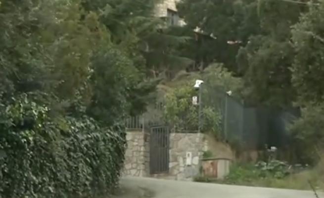 Първи кадри от къщата, в която Арабаджиеви се укриваха