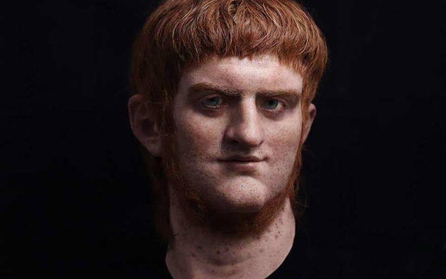 """Личността на Нерон най-често е свързвана с тирания и екстравагантност. Той е известен както с редица убийства, включително и тези на майка си и доведения си брат, така също и като императора, който """"свири докато Рим изгаря"""". Пак той започва първите масови гонения на християните."""