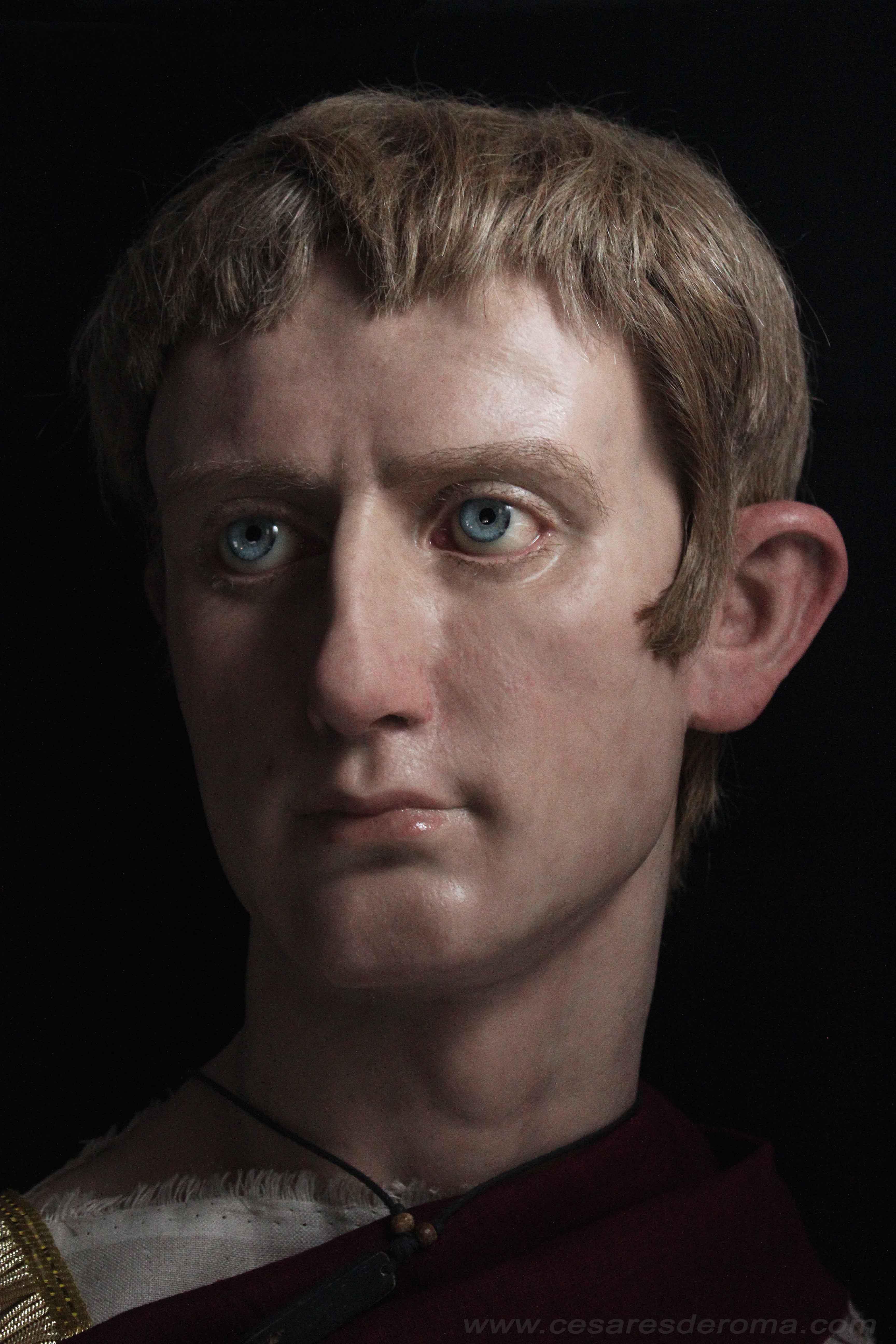 Октавиан привидно възстановява Римската република и формално връща властта на римския Сенат, но на практика запазва своята автократична позиция. Постепенно изработва точната рамка, в която републиката да бъде водена от едноличен владетел– резултатът от нея е Римската империя.