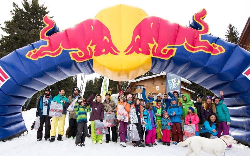 Витоша X Lines събра фрийрайд скиори и сноубордисти от цяла България