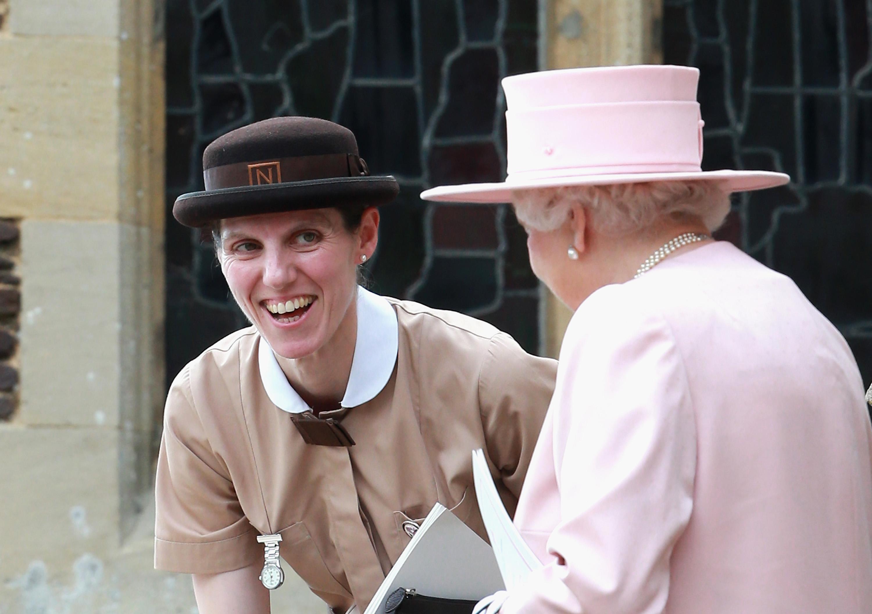 """Главната бавачка в двореца.<br /> Престолонаследникът принц Уилям и съпругата му Кейт Мидълтън, заложиха на качеството, а не на количеството. Само една бавачка отговаря за техните три деца. Това е испанката Мария Тереса Турион Борало. Тя завършва колежа """"Норланд"""" преди 20 години и започва да работи като бавачка в кралския дворец, когато Джордж е на 8 месеца и от тогава е неотлъчно с децата на Уилям и Кейт."""