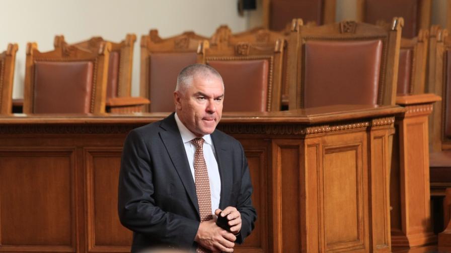 <p>Марешки: Каракачанов иска да вдигне &quot;позасъхналия&quot; си рейтинг</p>