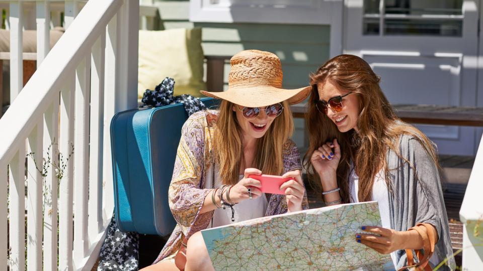 жени пътуване почивка
