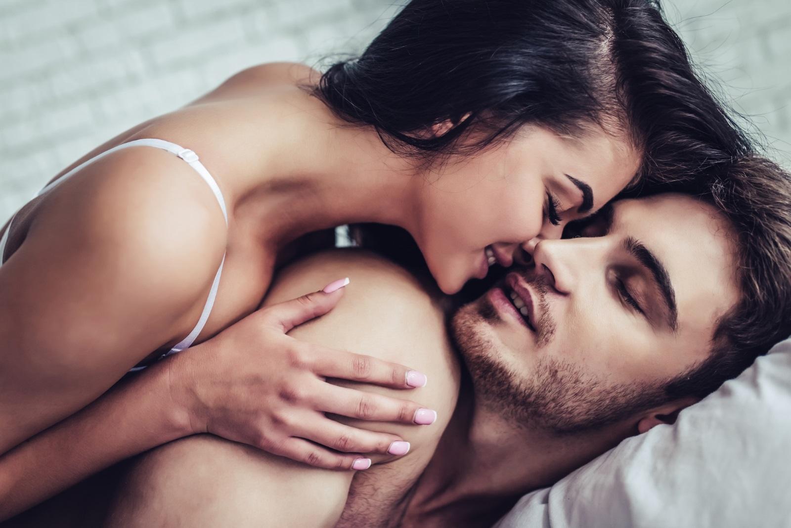 <p>За над 50 процента от представителките на нежния пол е особено неприятно в моментите на интимност наоколо им да се мотаят домашни любимци.&nbsp;</p>