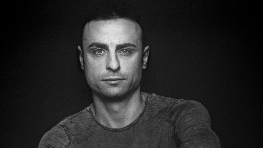 """""""гоСТОЛюбив"""" - вижте нови портрети на Димитър Бербатов, Райна Кабаиванска и още"""