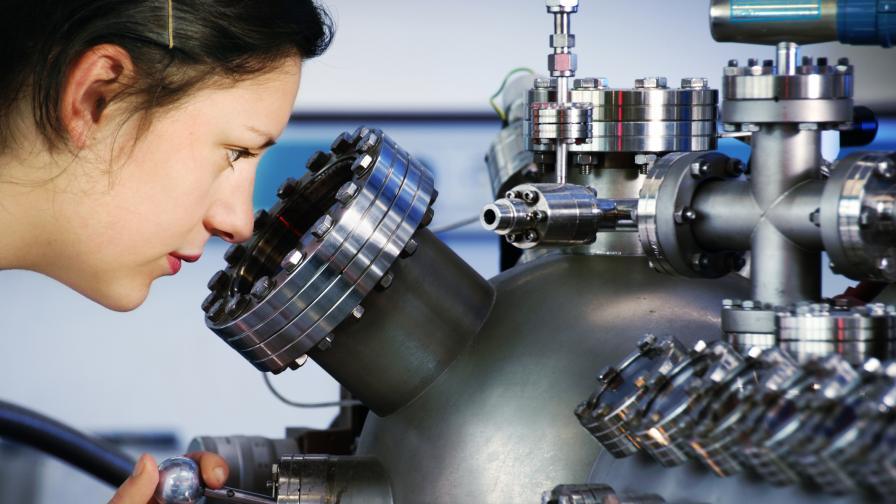 Румъния тества най-мощния лазер в света до България