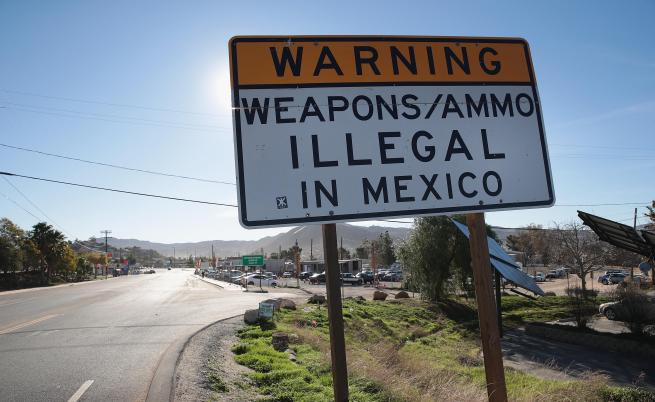 Над 30 000 убийства в Мексико, а един магазин за легални оръжия