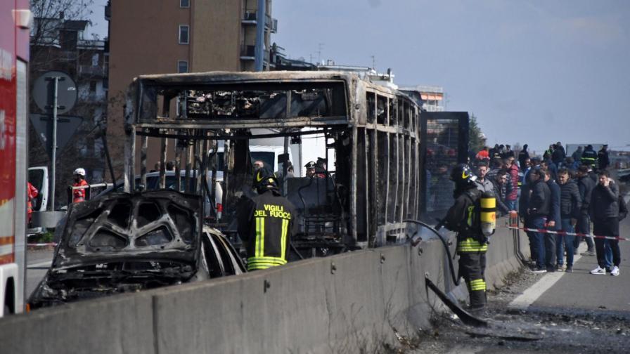 Изгорелият ученически автобус