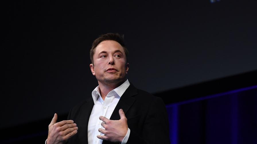 Мъск пренебрегна карантината, Tesla в Калифорния възобнови производството си