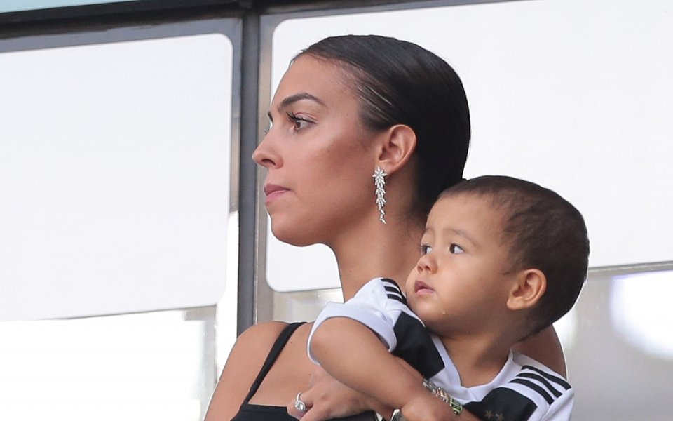 Джорджина и малчуганите на Роналдо се позабавляваха в зоопарка в Мадрид