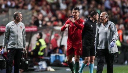 Роналдо стресна всички в лагера на Португалия